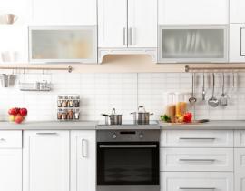 Cucina in ordine con gli accessori